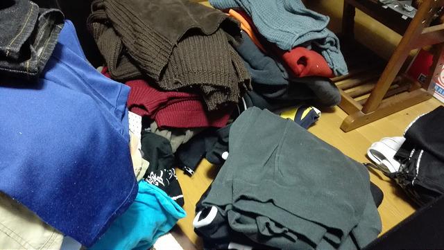 実家に溜まった服を処分した、断捨離のポイント