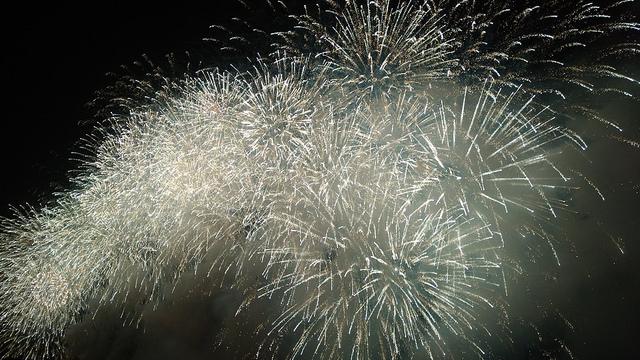 花火を見上げて抱く、モヤモヤする感情