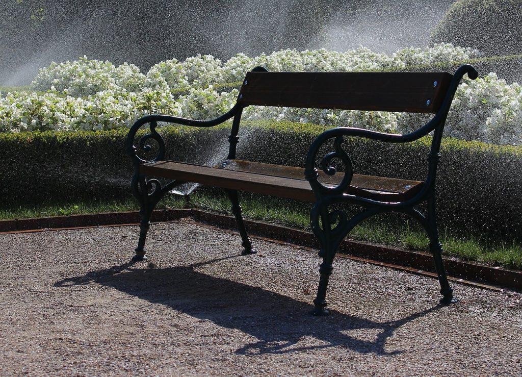 bench-941621_1280